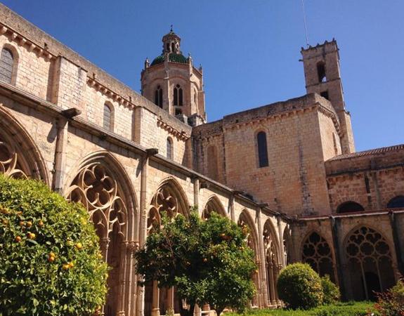 Claustre d'estil gòtic del segle catorze.